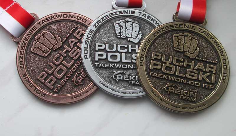 Medale odlewane, z efektem 2d, w  trzech koloarach, na turniej Taekwondo