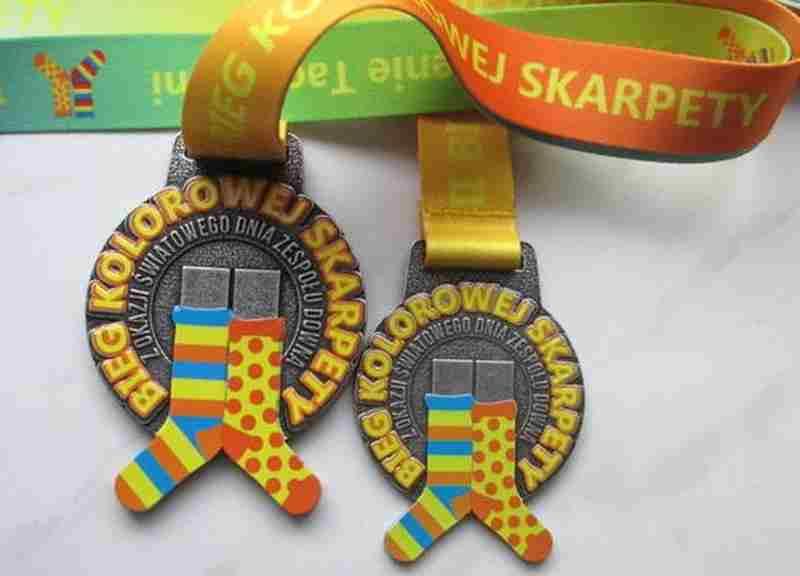 Medale odlewane, z kolorowym nadrukiem