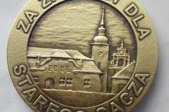 Eleganckie medale tłoczone, materiał mosiądz, w kolorze patynowanego złota