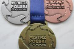 Medal okolicznościowy w trzech kolorach , zdobiony kolorową szarfą