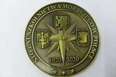 Medal okolicznoścowy,  w kolorze antycznego złota, z efektem 3D, na jubileisz uczelni.
